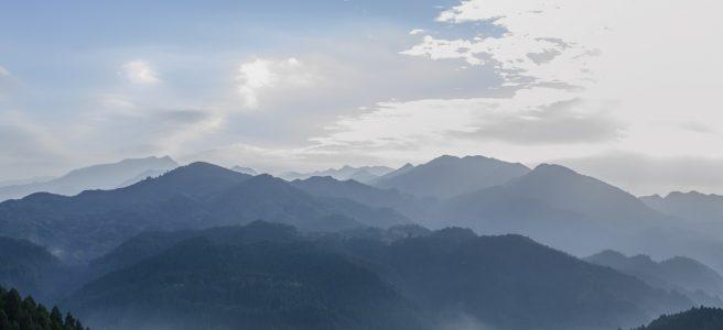 東峰村小石原の山より朝陽